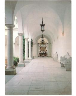 Крым. Ливадийский дворец. Терраса итальянского дворика