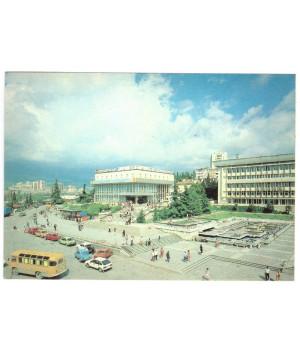 Крым. Алушта. Площадь Советская